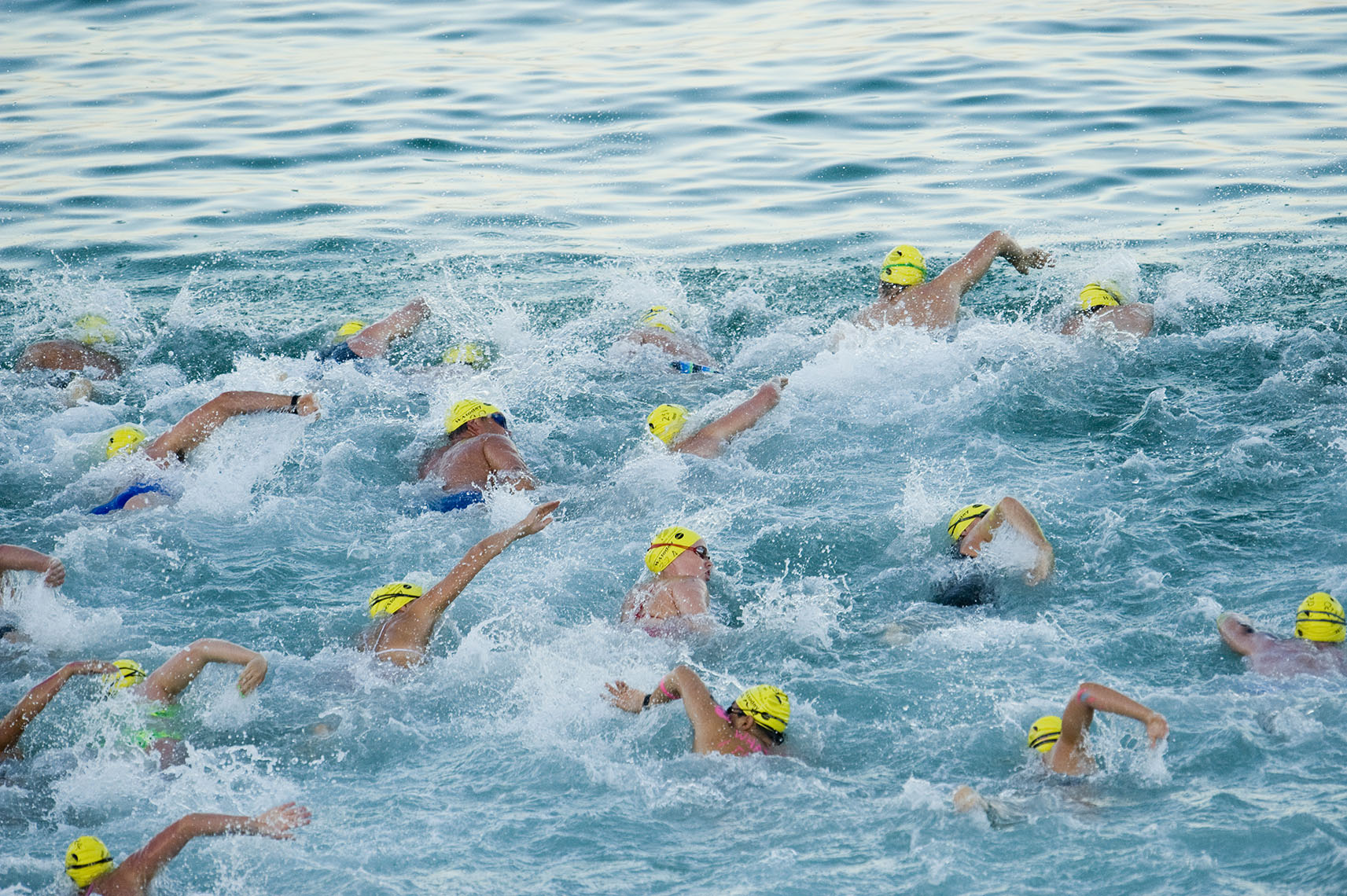 Swimmers at the starting line of the Cottesloe to Rottnest swim